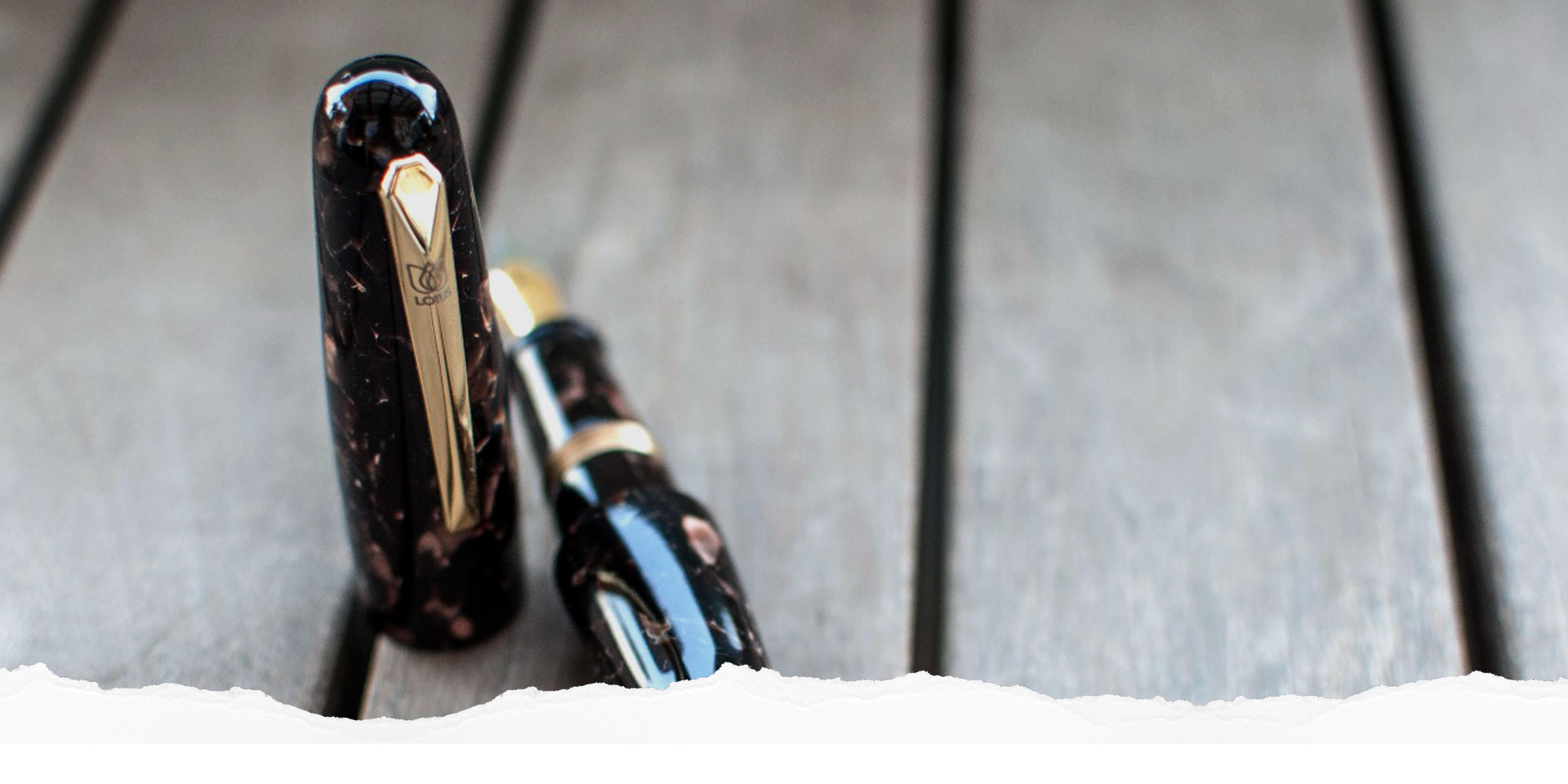 We proudly present you LOTUS HAND PAINTED FOUNTAIN PEN